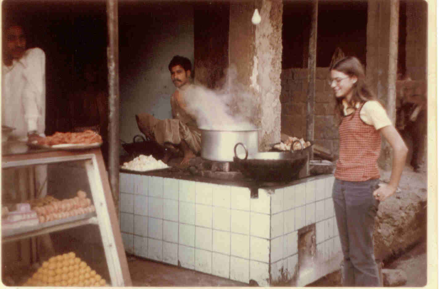elise-buying-jalebis-1974